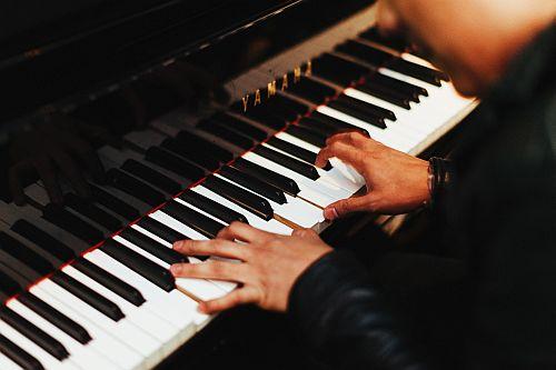 """Aktueller Workshop für Klavier: """"Basics der Lied-/Song-Begleitung"""""""